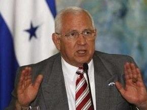 Власти Гондураса  готовы вести диалог со свергнутым президентом страны Селайей