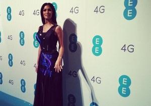 Николь Шерзингер надела первое в мире Twitter-платье