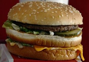 Мировой рекорд: Американец за 39 лет съел 25 тысяч гамбургеров