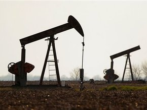 Рынок сырья: Цены на нефть падают седьмой месяц подряд