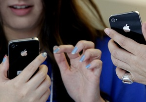 Samsung потребовал запретить продажу нового iPhone 4S еще в двух странах