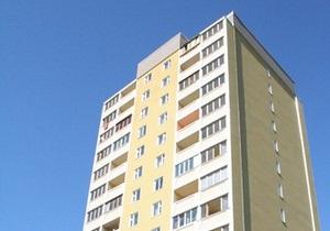 В Симферополе пьяный мужчина разбился, выпав с 15 этажа