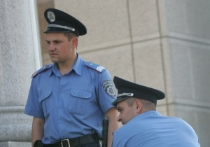 В Кировоградской области грабители вынесли из торгового центра сейф с драгоценностями