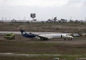 В Мексике пассажирский лайнер выкатился за пределы ВПП