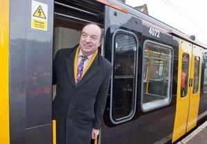 Министр транспорта Великобритании вскоре выпустит дебютный альбом