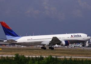 Пассажир Delta Airlines зажег фейерверк в самолете: есть пострадавшие