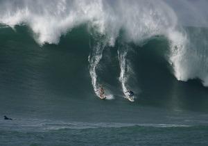 Фотогалерея: На Гавайи надвигаются гигантские волны