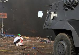 Египетские военные развертывают военную технику в Каире, готовясь к ожесточенным схваткам с демонстрантами