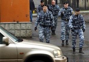 В России пьяный мужчина с гранатой захватил в заложники сотрудников прокуратуры