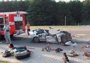 В Беларуси двое украинцев разбились в ДТП из-за водителя, уснувшего за рулем