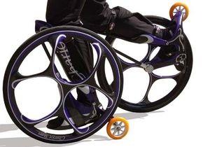 Австралиец сконструировал ролики с велосипедными колесами