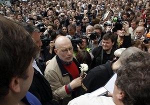 В Москве прошла  контрольная прогулка  с писателями