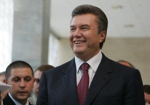 Сегодня Янукович примет участие в Благодарственном молебне и проведет заседание Совета регионов