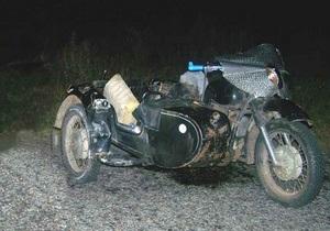 В Киевской области мотоцикл столкнулся с автомобилем: два человека погибли, трое травмированы