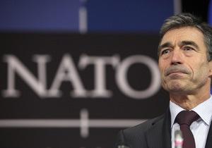 Генсек НАТО: Я очень обеспокоен ситуацией в Украине