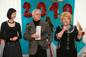 Глава Верховной Рады Украины Владимир Литвин в понедельник посетил детский дом \ Малятко\  в Киеве