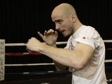 Боксеру-чемпиону угрожает расправой бывший менеджер