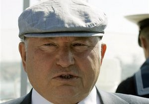 Лидер Меджлиса: Отставка Лужкова на руку Украине