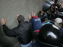 На вокзале Симферополя 22 милиционера грабили людей