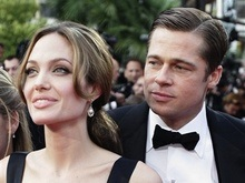 Питт и Джоли удочерят африканку