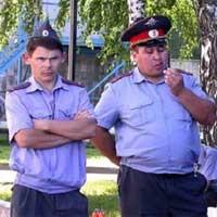 В Донецке женщина в милицейской форме устроила скандал на избирательном участке