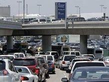 В американском аэропорту мужчина угрожал взорвать терминал