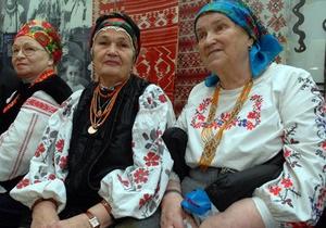 Украинцев призывают надеть вышиванки ко Дню Независимости