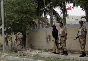 Полицию Пакистана наказали за голых арестованных