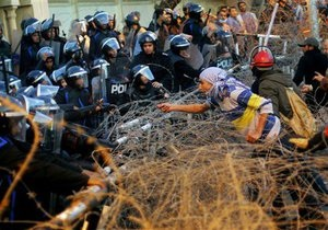 Более 360 человек пострадали в результате столкновений в Порт-Саиде