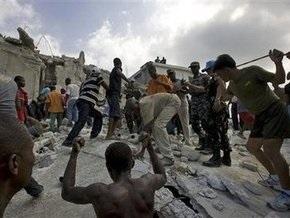 Обрушение школы на Гаити: число жертв возросло до 30
