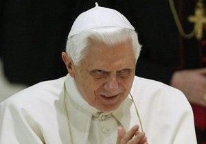 Пресса Британии: Папа Римский против Pussy Riot