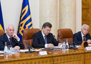 С такими реформами страна идет в ж...: известные украинцы рассказали Ъ, куда движется Украина