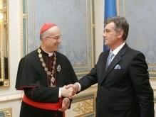 Ющенко пригласил Папу Римского в Украину