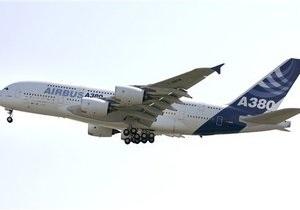 Австралийский пилот забыл выпустить шасси при посадке из-за смс