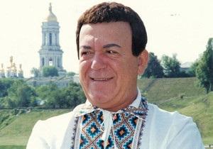 Янукович подарил Кобзону книжку украинских народных сказок