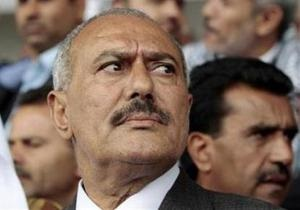 Германия не примет на лечение президента Йемена, если он не откажется от власти