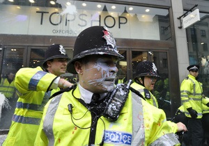 Протест профсоюзов в Лондоне: группа демонстрантов напала на полицию