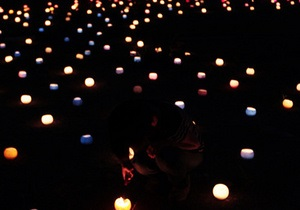 В Японии в память о жертвах землетрясения зажгли 16 тысяч свечей