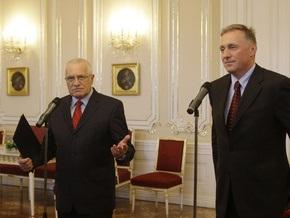 Президент Чехии принял отставку правительства