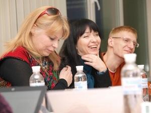 Вперше Дискусійний клуб  Міцний Горішок  в інформагентстві УНІАН!