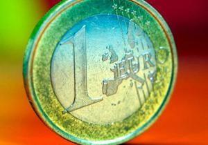 Евро упал до восьмилетнего минимума к иене
