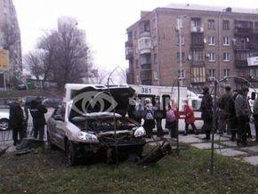 В Киеве водитель Daewoo Lanos сбил на остановке шестерых человек