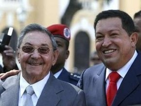 Рауль Кастро совершил первую заграничную поездку с момента избрания