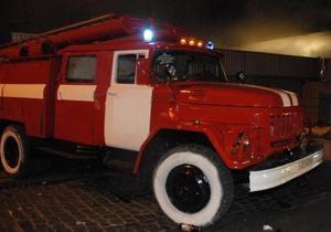В Киеве на Окружной дороге сгорел грузовик