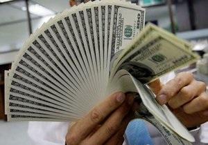 Курс доллара вырос до максимума за семь месяцев