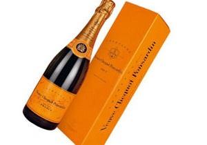 Дайверы обнаружили в Балтийском море самое старое в мире шампанское