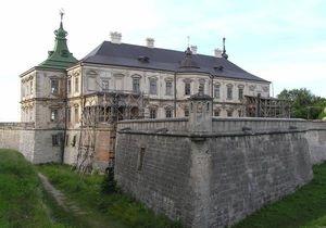 Администрация Януковича отрицает создание резиденции в Подгорецком замке