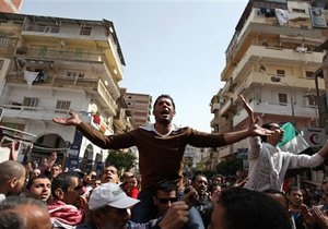 Новости Египта - беспорядки в Египте: В Порт-Саиде демонстранты пытаются перекрыть Суэцкий канал
