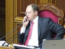 Яценюк: Мы пугаем друг друга и инвесторов