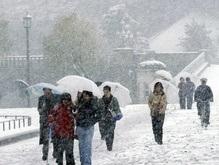 В Токио небывалый снегопад: 220 раненых